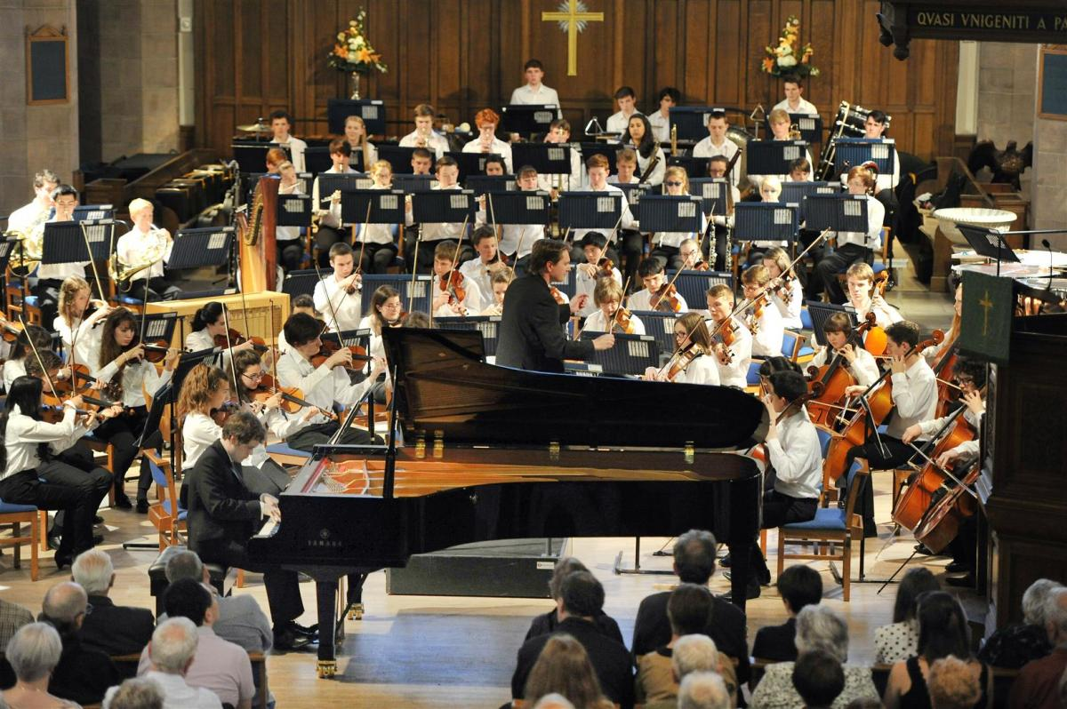 Benjamin Grosvenor playing Cesar Franck's, Symphonic Variations at Greyfriars Kirk 2014
