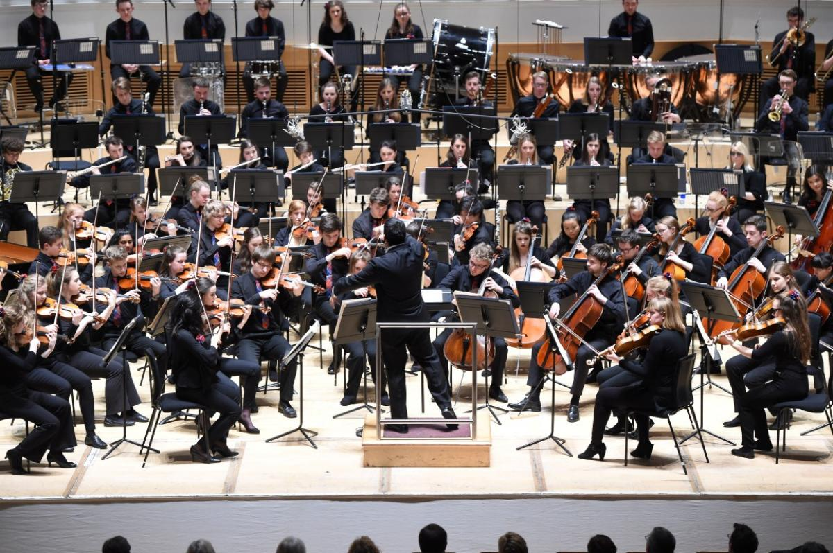 NYOS Symphony Orchestra with conductor Alpesh Chauhan at City Halls, Glasgow 9/4/16