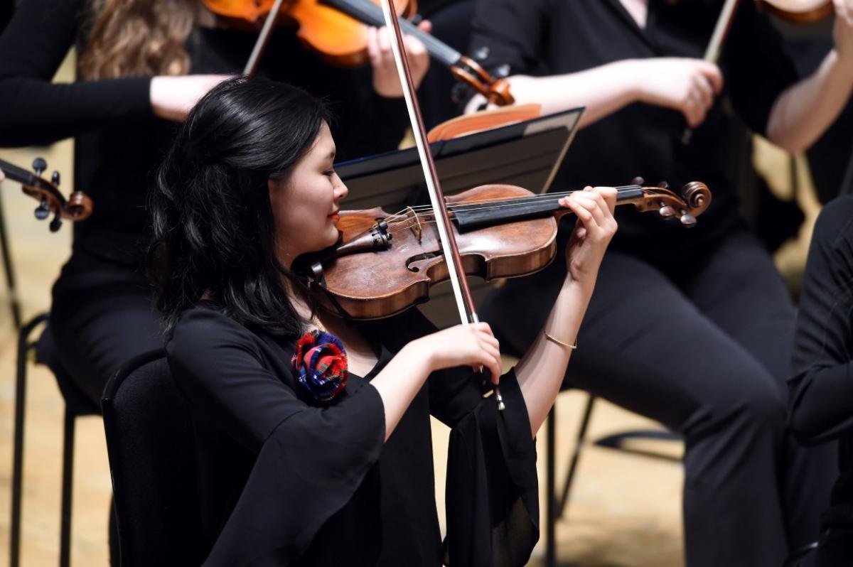 Leader of NYOS Symphony Orchestra, Ye Ye Xu at City Halls, Glasgow 9/4/16