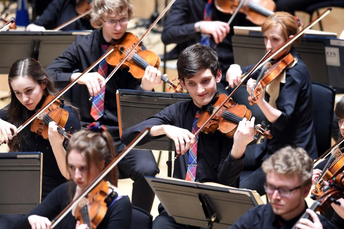 NYOS Symphony Orchestra, 'happy strings' at City Halls, Glasgow 9/4/16